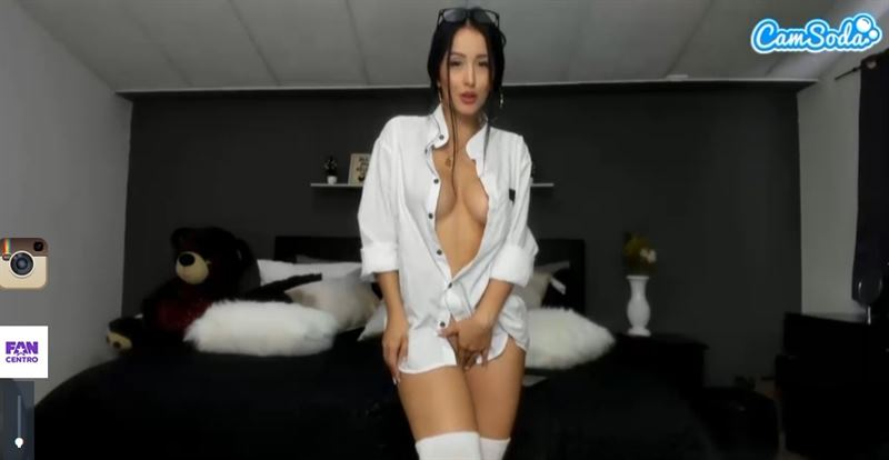 Hi-def live porn action on CamSoda