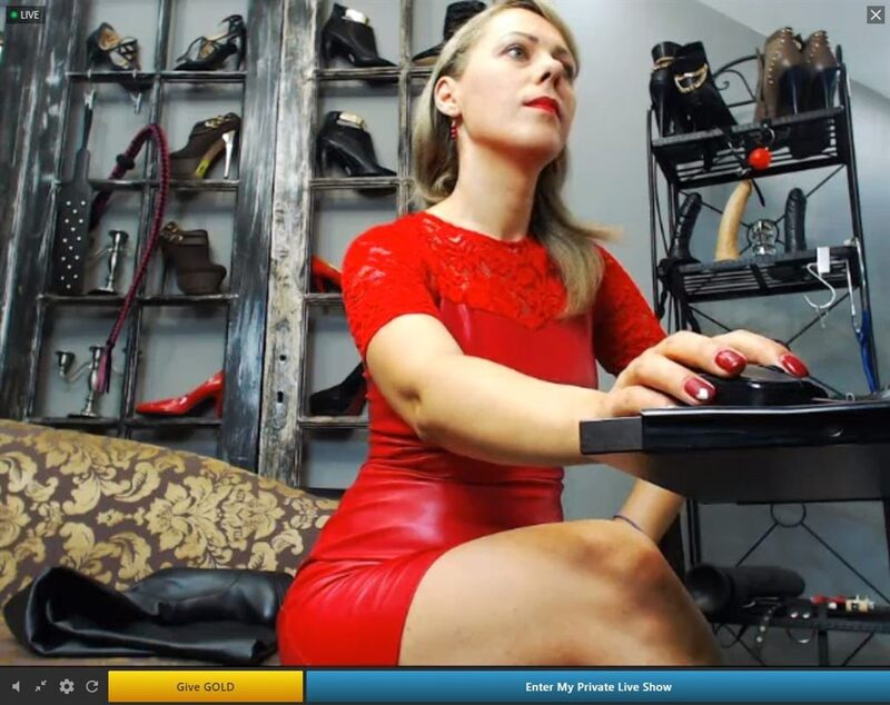 This should be a hot Streamate camgirl showing off her toy collection. If you're reading words right now, sorry about that.