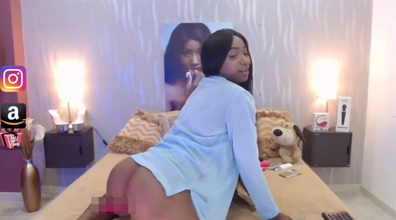 Full HD live sex shows on CamSoda
